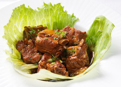 costine brasate in salsa di soia - Costine di maiale, zenzero, erba cipollina
