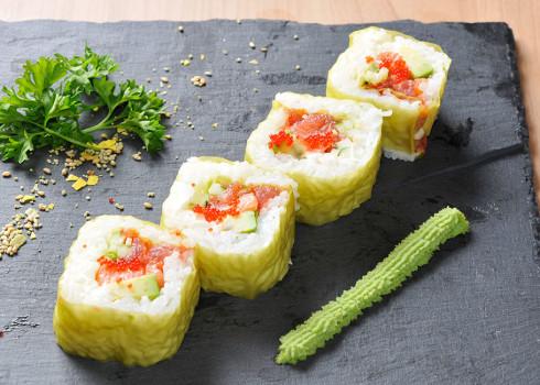 Green Futomaki - Sfoglia di soia agli spinaci con salmone, tonno, avocado, cetrioli, philadelphia