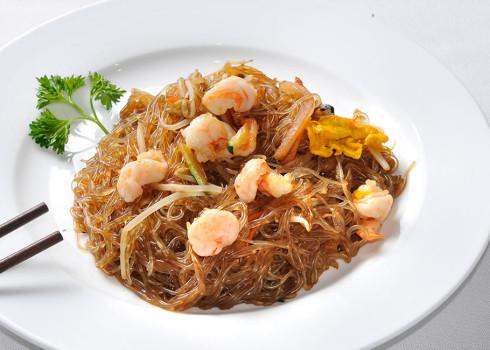 Spaghetti di soia ai gamberi - Spaghetti di soia saltati con gamberi, verdura ed uova