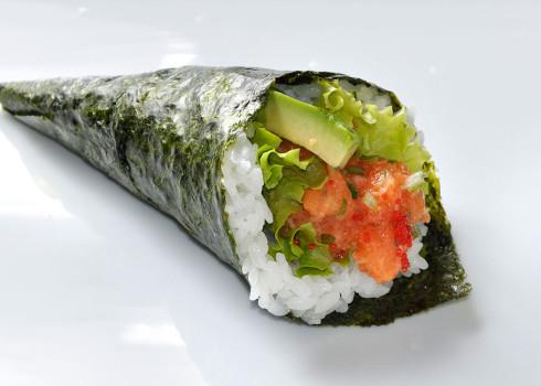 Spicy Salmon Temaki - Salmone
